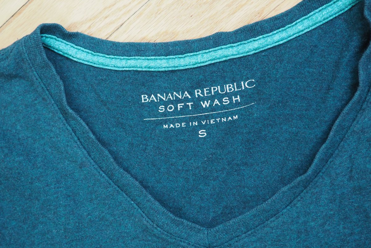 Reviewing the State of Banana Republic's Tagless, Soft-Wash T-Shirts